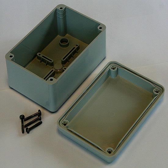 GW44-205 Plastic Junction Box Inc. Cover (130 x 90 x 60mm)